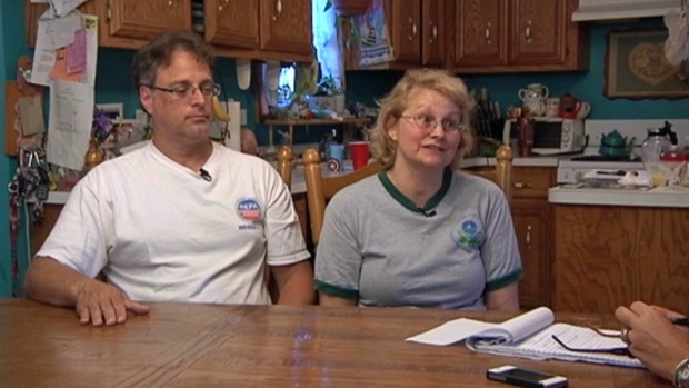 "[CHI] Furloughed Chicago Couple Feel Like ""Political Pawns"""