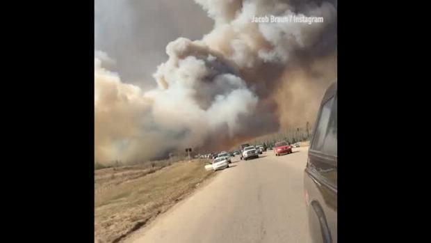 [NATL] Wildfire Spreads Across Canada's Oil Sands Region