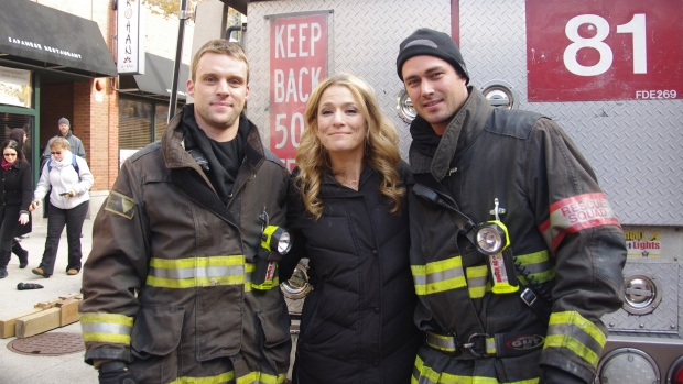 "[LXTVN] On the Set of ""Chicago Fire"" With the Cast"