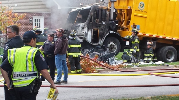 [CHI] Three Killed When Garbage Truck Slams Into Car
