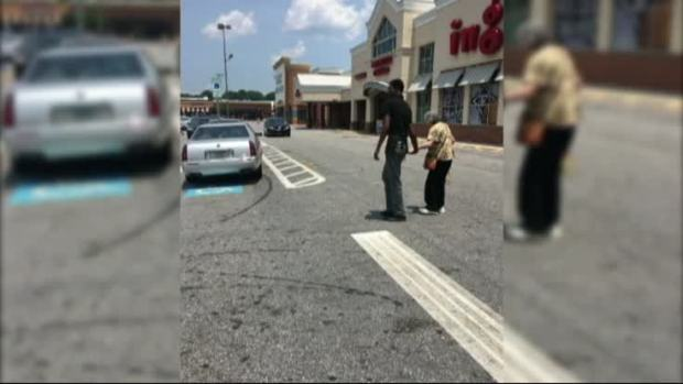 [NATL] Act of Kindness Helps Restore Faith in People as Video Goes Viral