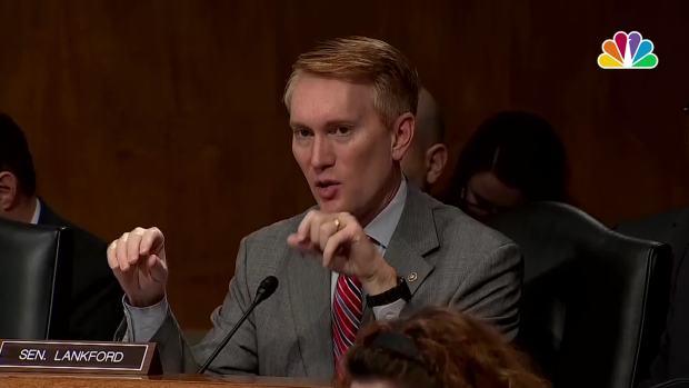 [NATL] US Senator: Russian Internet Trolls Exploiting NFL Kneeling Controversy