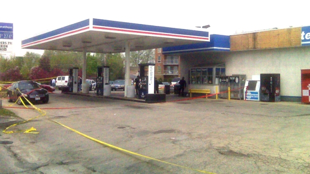 [CHI] Cops Shoot and Kill Suspect in Gas Station Robbery