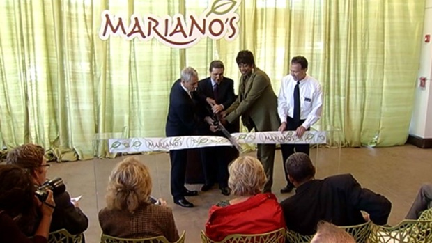 [CHI] Rahm Helps Open New South Loop Mariano's