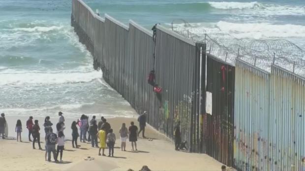 [NATL] Trump, McConnell Split on Closing US-Mexico Border
