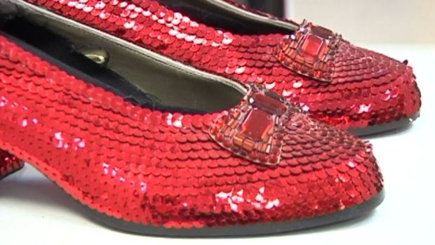 [NATL] Donor Offers Million Dollar Reward for Ruby 'Oz' Slippers