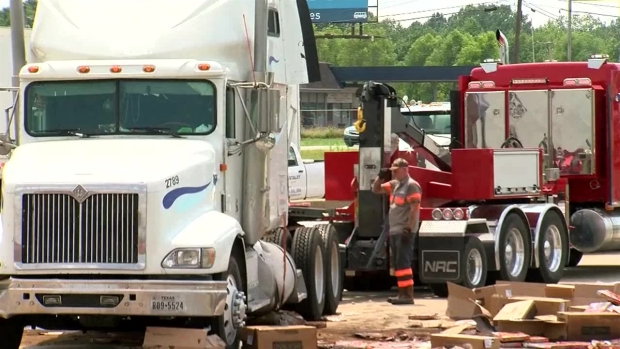 Frozen Pizzas Scattered on I-30 in Arkansas