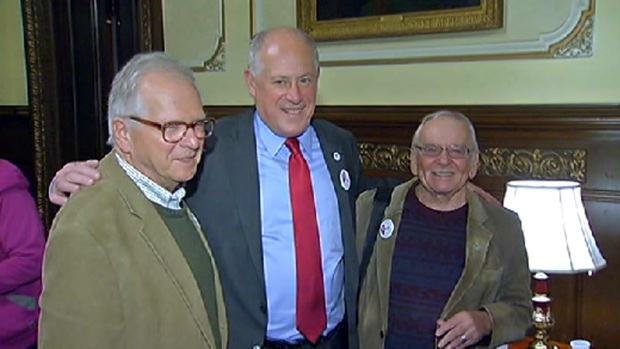 [CHI] Gov. Quinn Throws Party Celebrating Same Sex Marriage Win