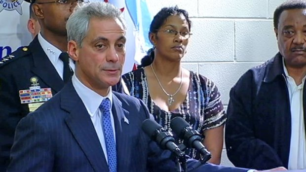 Mayor Campaigns for Obama as City Murder Rate Spikes