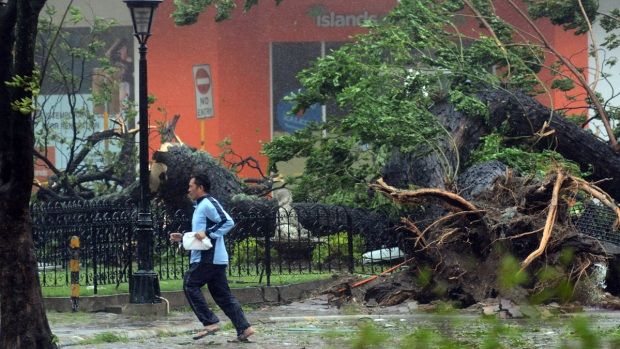 [AP] Raw Video: Powerful Typhoon Causes Widespread Damage