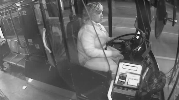 [NATL] Bus Driver Aids Boy Wandering Alone Out in Cold