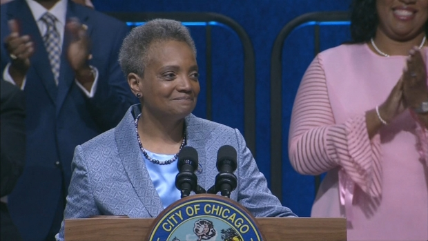 [CHI] Lightfoot Acknowledges History Being Made at Her Inauguration
