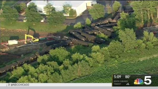 [CHI] Cleanup Continues After Train Derailment in Plainfield