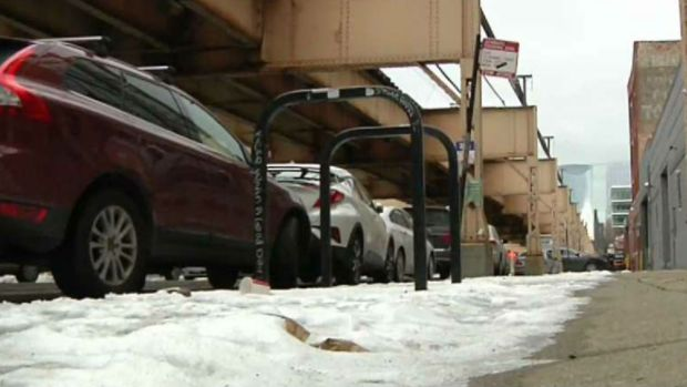 West Loop Residents Grow Concerned Over Snowy Sidewalks