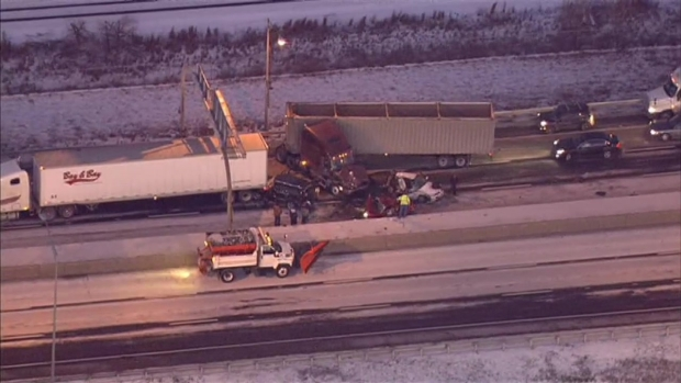 [CHI] RAW: Multi-Vehicle Skyway Accident