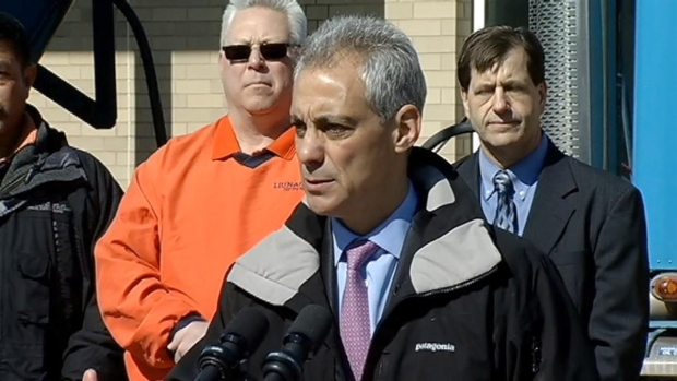 "[CHI] Emanuel Wants ""Complete Report"" on Lake Michigan Oil Spill"