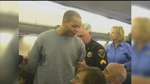 [CHI] Authorities Escort Man Off Southwest Airlines Plane