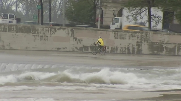 [CHI] Lake Michigan Waves Crash Onto Shore