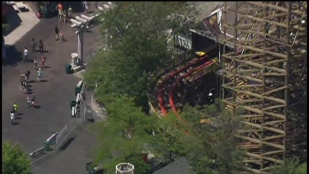 [CHI] Raw: Minor Fire at Six Flags Great America