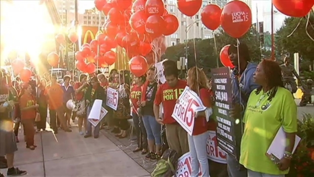 [CHI] Panel Recommends $13 Minimum Wage in Chicago
