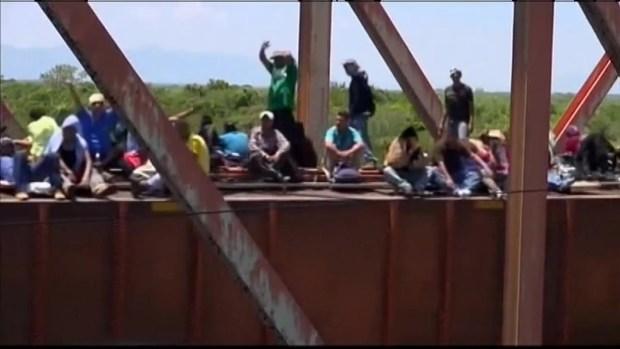 "[CHI] Gutierrez to Obama: ""Keep Families Together"""