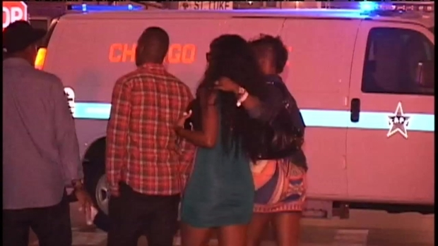 [CHI] RAW: Police Investigate River North Shooting