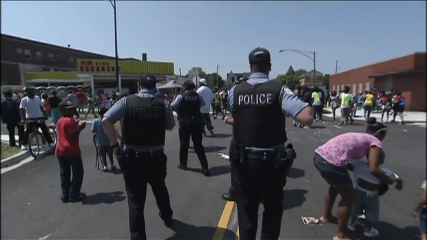 [CHI] Dramatic Footage: Shooting During Bud Billiken Parade