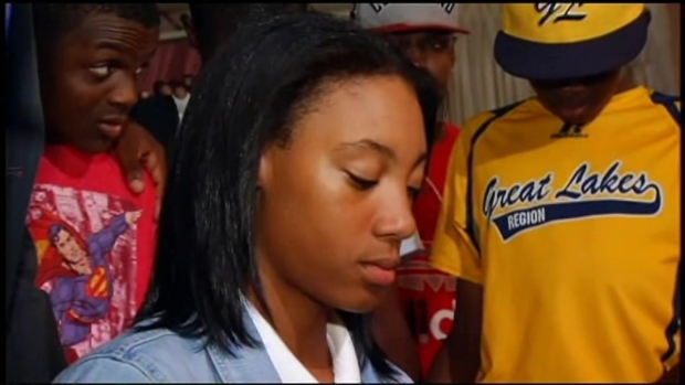 [CHI] Mo'ne Davis Celebrates With JRW in Chicago