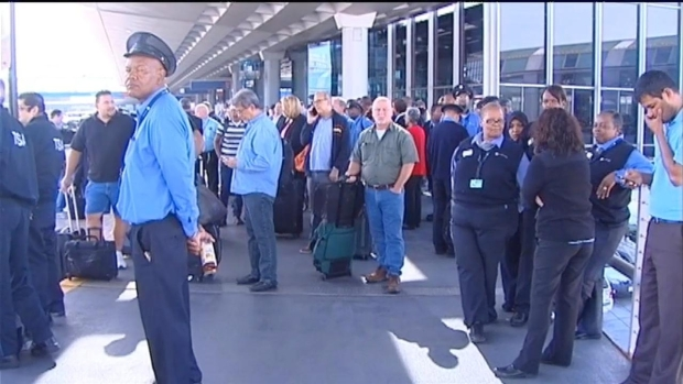 [CHI] Raw: Backups Outside O'Hare After Terminal Evacuation