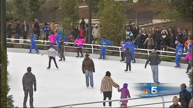 [CHI] Maggie Daley Park Ice Skating Ribbon Opens