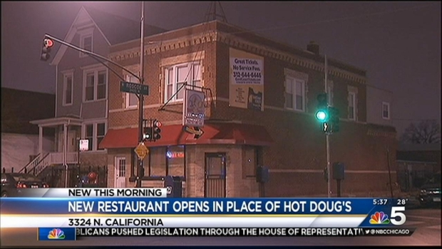 "[CHI] New Eatery Replaces ""Hot Dougs"""