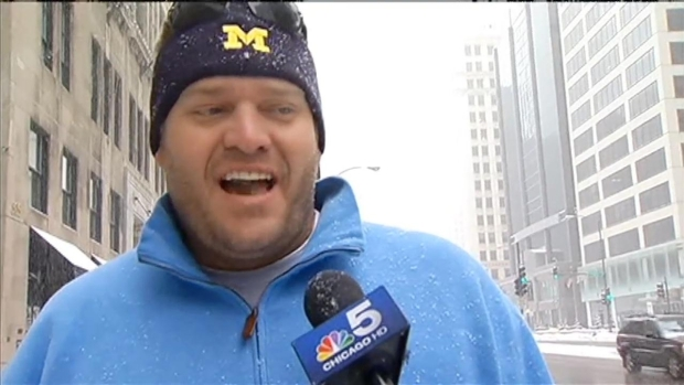 [CHI] Chicagoans Bundle Up for the Bitter Cold and Snow