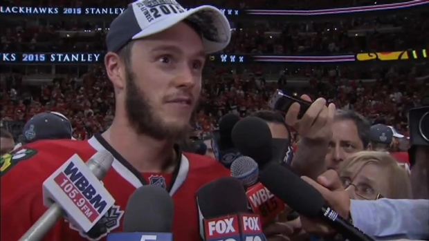 [CHI] Jonathan Toews on Why He Handed Cup Off to Timonen