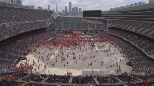 [CHI] Time Lapse: Fans Empty Soldier Field