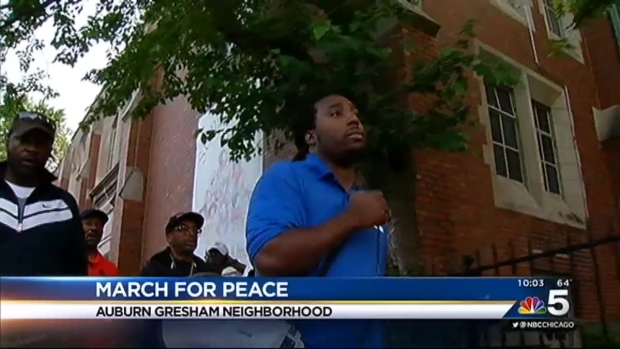 [CHI] Spike Lee, Fr. Pfleger March for Peace as Fourth of July Weekend Off to Bloody Start
