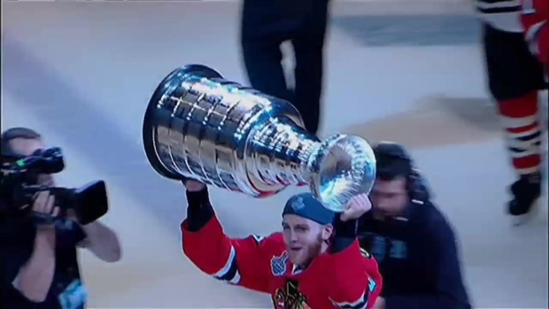 [CHI] Patrick Kane Celebrates Quietly With Stanley Cup in Buffalo