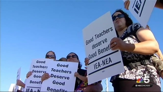 [CHI] Prospect Heights Teachers Warn of Strike Amid Salary Negotiations