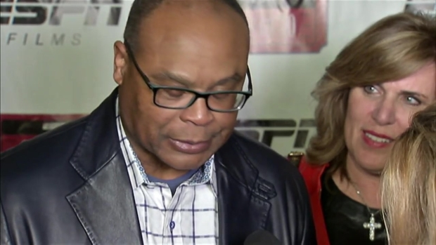 Mike Singletary Revels in '85 Bears' Greatness
