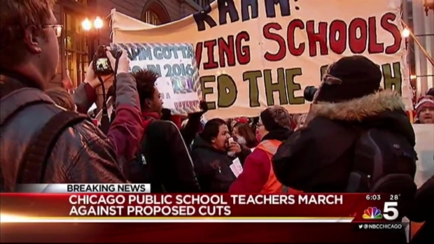 [CHI] CTU Marches Downtown Against Proposed Cuts