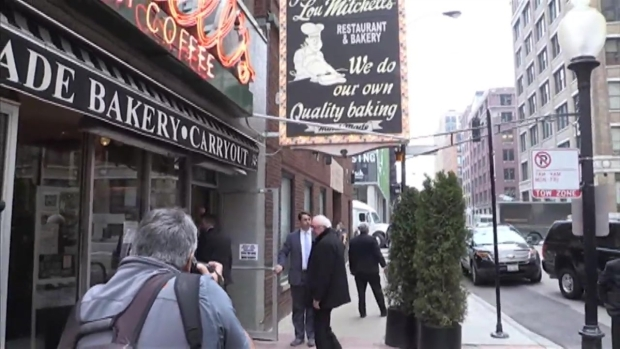 [CHI] Bernie Sanders Stops at Lou Mitchell's