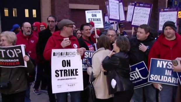 [CHI] Chicago Teachers Walk Off The Job