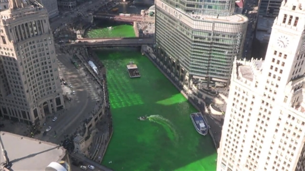 Watch the Chicago River Being Dyed Green in 15 Seconds