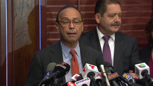 [CHI] Gutierrez Says He Plans to Leave Congress, Endorses Garcia