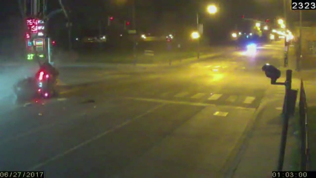 Roosevelt & Kostner – The crash 12 Blocks Into The Pursuit