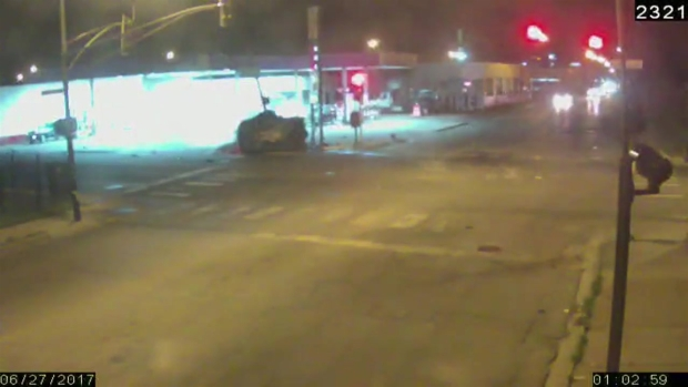 Roosevelt & Kostner – Another Angle of The Crash – 12 Blocks Into The Pursuit:
