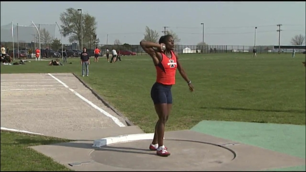 [CHI] Watch Bobsled Star Aja Evans Throw Shot Put