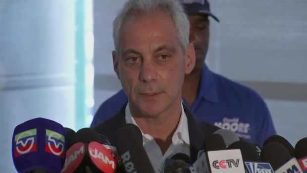 [CHI] Chicago Mayor Urges Residents to Come Forward After Violent Weekend