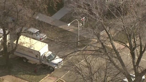 [CHI] Police Respond to Possible Barricade Situation in Edgewater