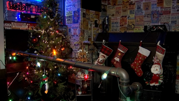 [CHI] Wrigleyville Saloon Transforms Into 'Christmas Vacation'-Themed Pop-Up Bar
