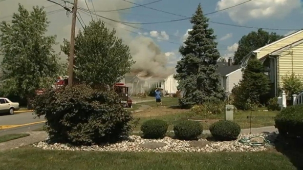 [NY] Raw Video: Raging Fire Engulfs New Jersey Home